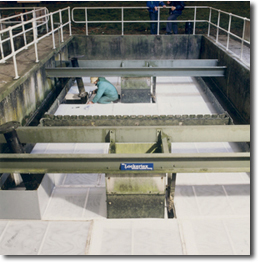 Installation of Clarifier into Pyramidal Tanks to reduce suspended solids